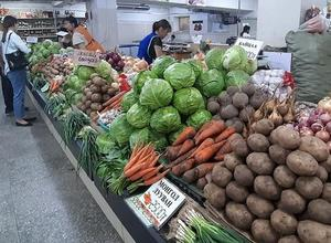 Vegetable prices surge as COVID-19 halts imports