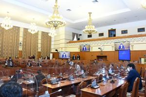 Parliament reviews 10 trillion MNT recovery plan